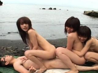 นัดสามสาว
